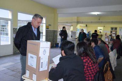 Arcioni votó en Comodoro Rivadavia y afirmó que