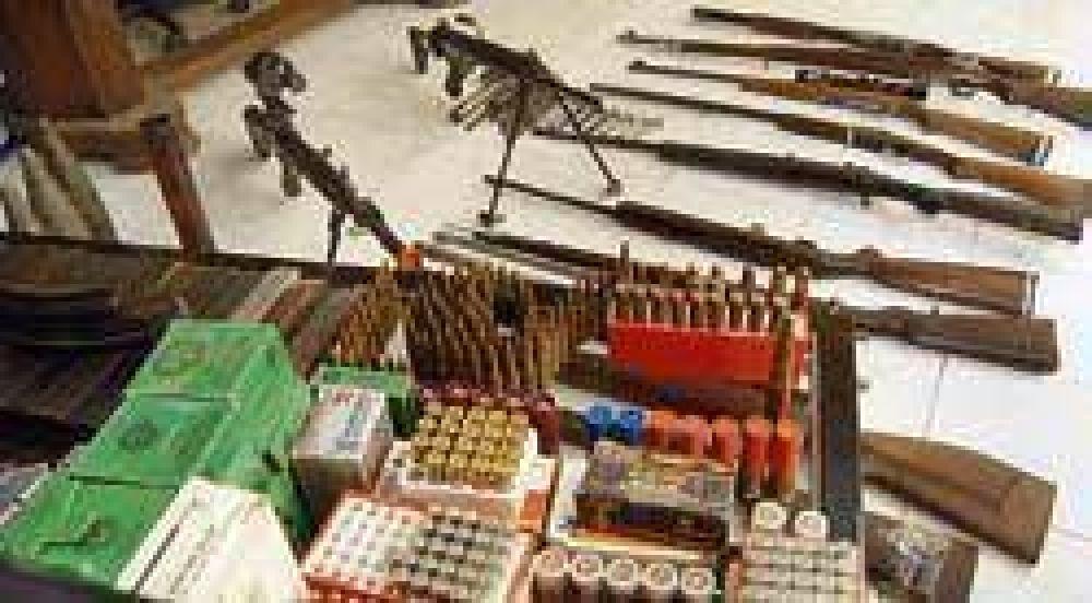 Secuestraron, además de un arsenal, 15 DNI sin fotos