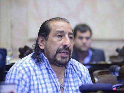 Oscar Martínez ratificó su decisión de continuar en carrera para Octubre