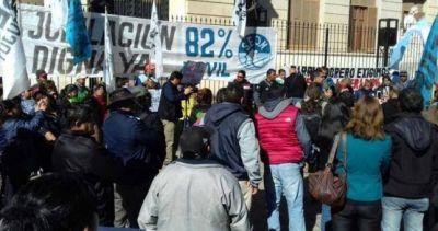 """""""Perro"""" Santillán pidió la libertad del dirigente gremial jujeño detenido por protestar"""