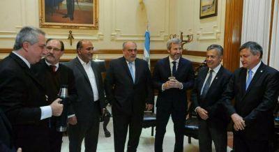 Macri ya abrió la negociación con los gobernadores peronistas