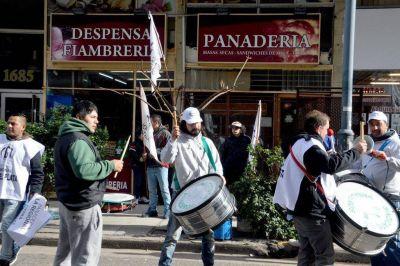 Tras el cierre de La Regional, trabajadores exigen respuestas
