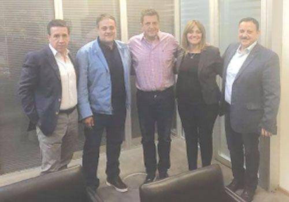 Referentes del PJ riojano se reunieron con Sergio Massa