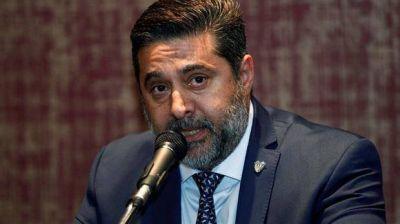Angelici desafía al Presidente en la Justicia por el dinero de sus bingos