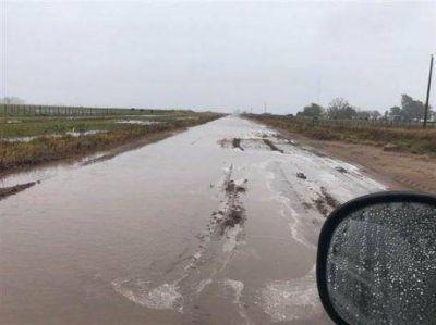 Es crítica la situación en Bolívar pero no hay 500 mil hectáreas bajo agua, ni tampoco sobre las rutas 226 y 65