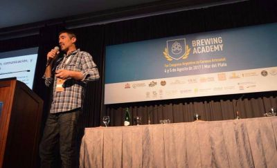 """""""Me sorprendió la calidad y la tecnología de las fábricas de cerveza artesanal de Argentina"""""""