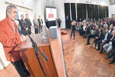 El gobernador firmó la transferencia de más de $ 174 millones para Comodoro