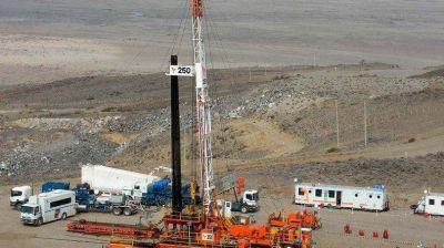 Nuevos telegramas de despido de San Antonio tensan las negociaciones en el sector petrolero