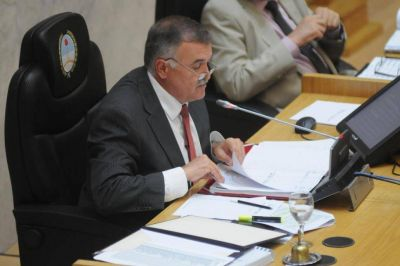 El PJ evalúa una licencia para evitar la renuncia de Jaldo