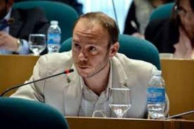 Darío Menna defendió la obra de la usina térmica