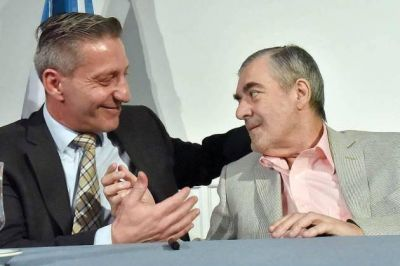 El gobernador traspasó el mando a Arcioni