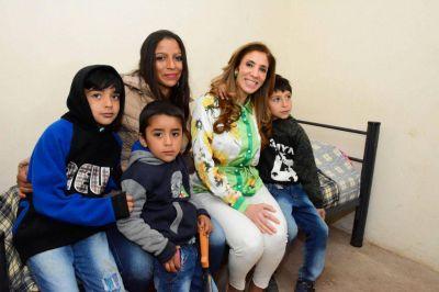 La gobernadora entregó viviendas sociales en El Porvenir, Río Hondo