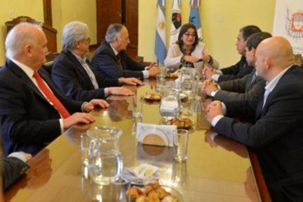 Corpacci recibió a la UIA en Casa de Gobierno