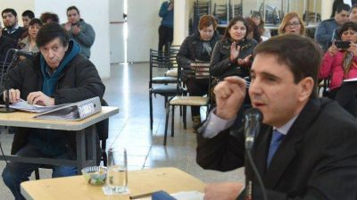 El Concejo salvó a Prades hasta que se aclare la denuncia de corrupción