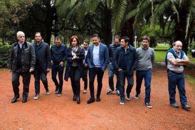 Cristina, con intendentes de la Primera y la Tercera Sección electoral