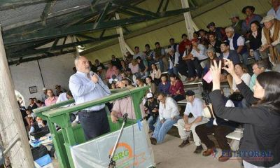 Colombi anunció en Goya un millonario plan de enripiado y en Lavalle habilitó la terminal