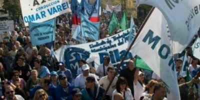 """Municipales bonaerenses presionan a los intendentes y amenazan con ser una """"piedra"""" en la campaña"""