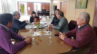 La ministra Corvalán se reunió con representantes del gremio ATSA