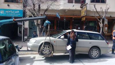 Gennuso excedió el límite de contratación directa de las grúas