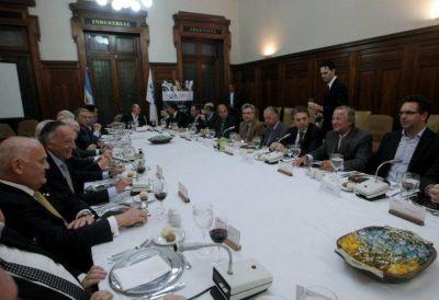 """Dujovne se reunió con la UIA y anticipó una reforma impositiva """"gradual"""""""