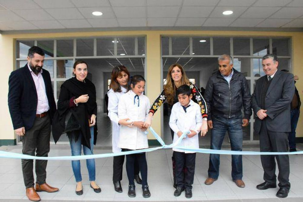La Gobernadora inauguró el nuevo edificio de la Escuela Nº 474 en Las Tinajas