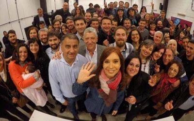 Cristina reunió a sus candidatos a concejales en Lanús