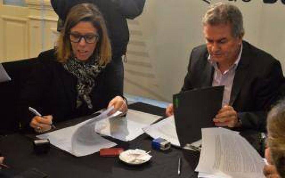 Lucha anticorrupción: Firman convenios con municipios de la sexta sección