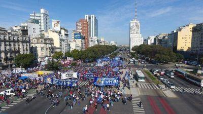Nuevo round entre el Gobierno y los movimientos sociales por la emergencia