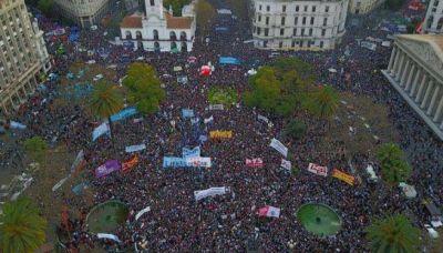 Miles de personas marcharon en todo el país para que Santiago Maldonado aparezca con vida