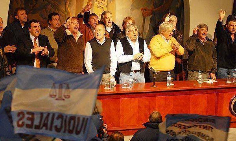 Hugo Moyano lanzará hoy su corriente política para jugar en el PJ