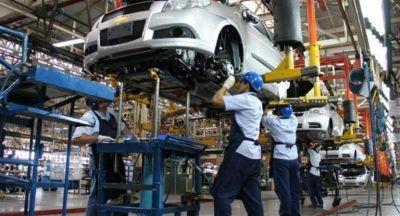 La producción automotriz creció casi 4% en agosto (cuarto avance consecutivo)