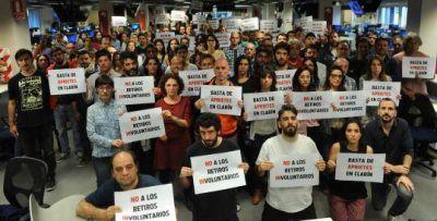 Denuncian aprietes y despidos en Clarín