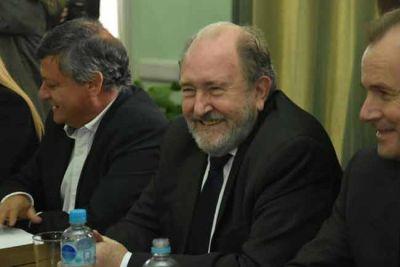 """Verna, tras la reunión de gobernadores: """"Protegemos los intereses pampeanos"""""""
