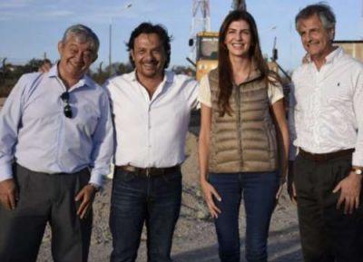 Sáenz lo logró: la foto con Martín Grande y Bettina Romero, juntos