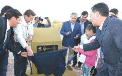 Casas inauguró anhelada obra en Los Sauces
