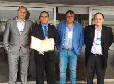 APDFA entregó al puerto de Corrientes escritos históricos