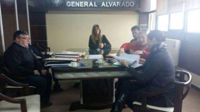 "Apertura de sobres: licitación ampliación cloacas barrio ""Los Pinos"" de Miramar"