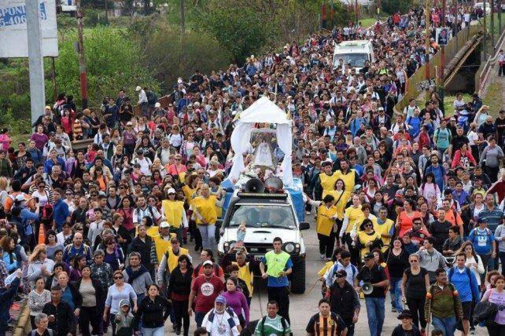Una multitud peregrinó a San Nicolás con la Virgen