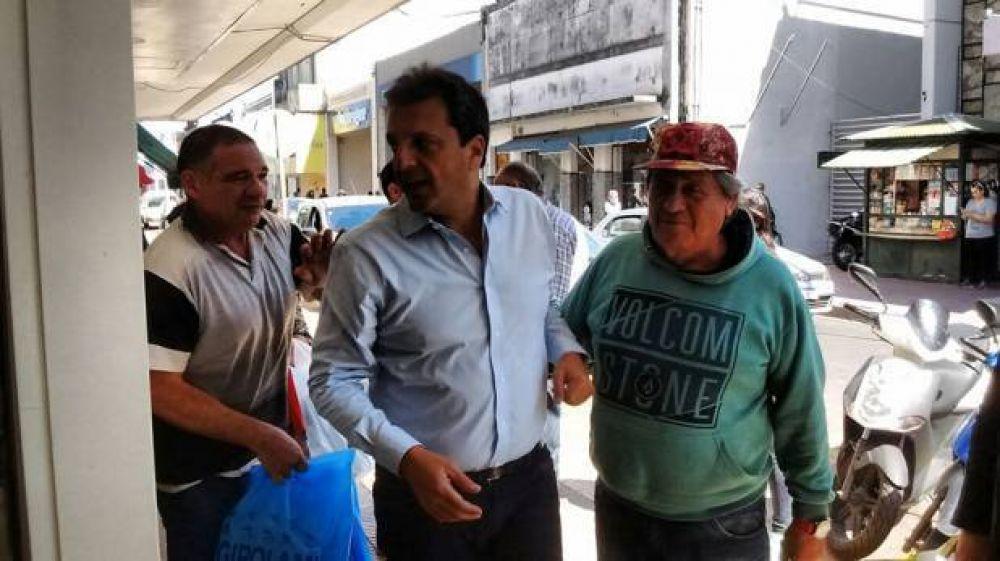 Sergio Massa recorrió las calles de San Nicolás