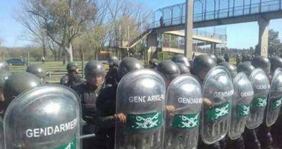 Represión a los trabajadores de Cresta Roja