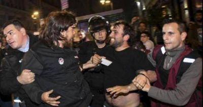 Periodistas denuncian violencia policial contra la prensa