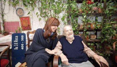Cristina se mostró con el historiador Osvaldo Bayer