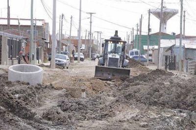 Dirección de Obras Viales trabaja para la instalación de cloacas en un barrio de la ciudad