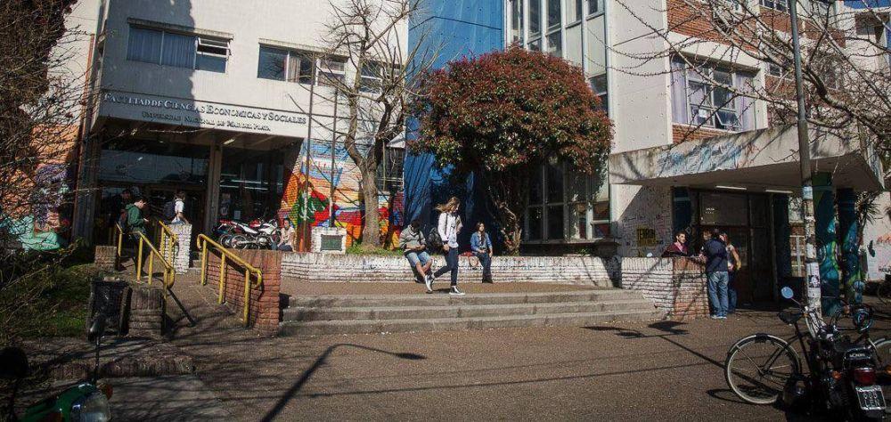 """""""Hay que profundizar la relación de la Universidad con la sociedad"""""""