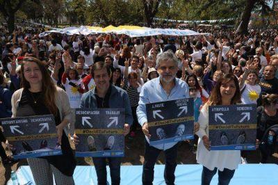 Filmus relanzó la campaña con críticas a Macri