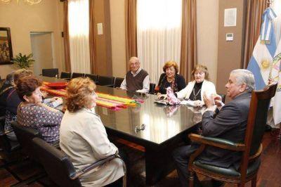 Infante se reunió con docentes jubilados y pensionados