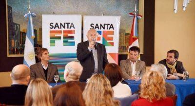 La provincia entregó 14 viviendas en el barrio Esmeralda de Santa Fe