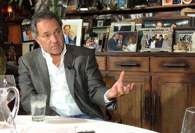 """Daniel Scioli: """"Lo de mi supuesto fraude para terminar la universidad me dolió mucho"""""""