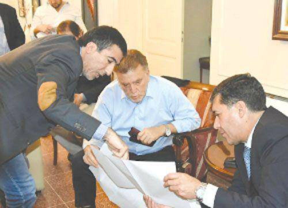 Enfático reclamo del Gobernador por más viviendas para La Rioja