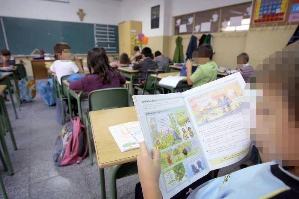 El Arzobispado local prohíbe a los colegios católicos inculcar el matrimonio igualitario